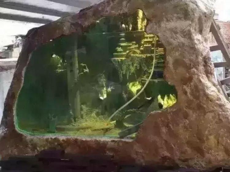 13.8吨的玉石被做成鱼缸,鱼缸艺术中的精华