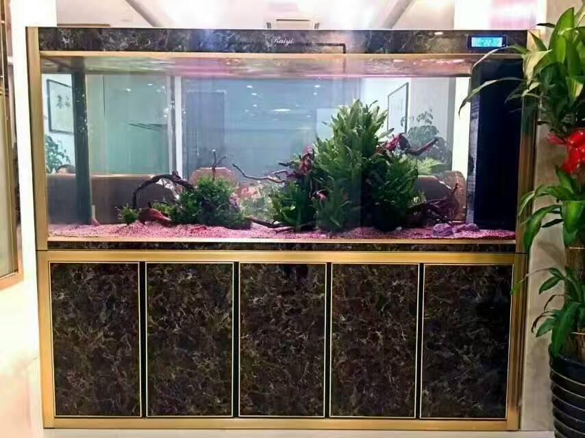 大理石纹理鱼柜
